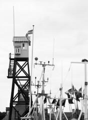 Dragr: lodstrnet (holtelars) Tags: pentax pentax645 645 645n 6x45 smcpentaxfa 200mm f40 120film 120 film foma fomapan fomapan100 fomapan100classic 100iso mediumformat analog analogue blackandwhite classicblackwhite bw monochrome filmforever filmphotography xtol homeprocessing larsholte denmark danmark hrsholmfotoklub dragr havn marina fototur tower