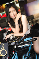 Pretty Bike Girl (Marcus Lim @ WK) Tags: people portrait nikon tamron1750 light bike model meanmachine