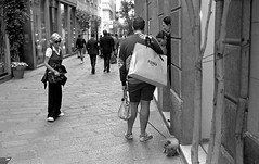 Fashion Capital (bingley0522) Tags: bessar2a leicasummicron50mmf20iii yellowfilter tmax400 hc110h epsonv500scanner milan milano fashion shopping dog fendi