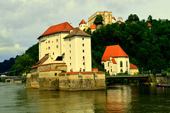 Passau,Bayern (Germany) (jens_helmecke) Tags: passau donau wasser water flus river gebude architektur nikon jens helmecke bayern deutschland germany
