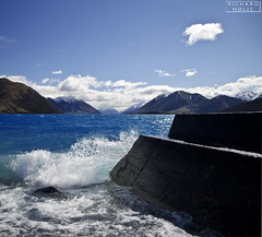 Lake Coleridge (Richard Holic) Tags: newzealand new zealand lake coleridge richardholic richard holic nikon d7000 1685 blue water sky stone rock mountain mountains hill climb holiday cloud clouds summer spring autumn wave waves travel travelling outdoor lights daylight day