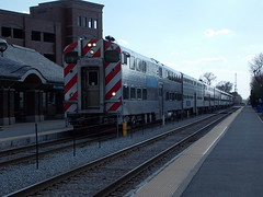 Hi-Ho Silver and Blue......AWAY! (ctabusphotographer) Tags: windows car station train lights oak day doors afternoon bell cab lawn platform tracks commuter rushhour horn metra sws engineer departing inbound metx southwestservice