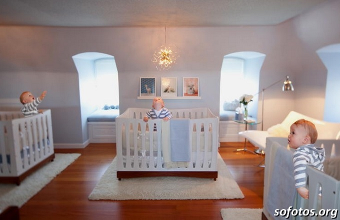 quarto de bebê trigêmeos