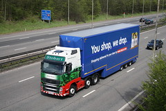 Morgan Patricia (Moving Britain) Tags: eddiestobart volvofh morganpatricia px11cjz