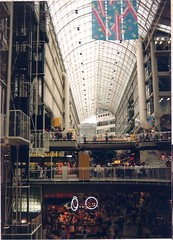 (sftrajan) Tags: toronto ontario canada architecture arquitectura shoppingmall shoppingcenter 1986  architettura architektura   torontoeatoncentre