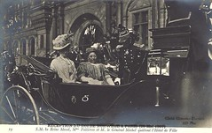 1907 King Haakon und Queen Maud of Norway visiting Paris (Miss Mertens) Tags: oslo norway norge king princess postcard royal norwegen prince queen rey kung re kaiser regina reine royalty monarchy cartolina adel oldfashioned roi prinz royalfamily knig dronning postkarte principe knigin principessa prinzessin monarchie monarchia kaiserin picturecard koningshuizen casareale familleroyal