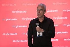 Ken Hertz introduces Antoine Blondeau (ttivanguard) Tags: usa ny brooklynnewyork ttivanguard eventphotographernewyork jeffreyholmesphotography newyorkcorporatephotographer thenewknow autonomyconference