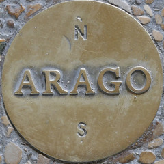 Arago disc - Palais Royale, Paris (Monceau) Tags: squaredcircle squircle arago disc medallion sidewalk pavement