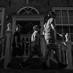 20160817-naamloos1.jpg (Woolfingale) Tags: square street minoltamcwrokkorhh35mmf18 1x1 2016 natuurfotos kinderen sonya7 minoltamd50mm17 chiaroscuro schaduwen lenzen vormen roodgroen contrast kleurcontrast lrcc zw horizontaal relaties beweging