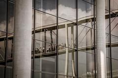 Berliner Architekturdetails (pyrolim) Tags: architektur details fenster fassaden glas spiegelung berlin