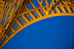 Eiffel Tower in the Blue Hour... (RCARCARCA) Tags: paris eiffeltower tower tour toureiffel eiffel canon 5diii 2470l 2016
