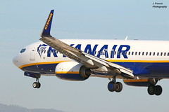 Airport BCN – Boeing 737 - Ryanair (Javier Frauca) Tags: canon 70d jet aircraft aviation canon300f4lis avión bcn lebl aeroplane airliner spotting spotters boeing landing aterrizaje
