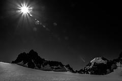 Soleil des Cimes (Frdric Fossard) Tags: paysage nature montagne glacier soleil contejour cime arte crte grandefourche glacierdutour ambiance atmosphre massifdumontblanc france neige lumire ombre rayondesoleil calme fentredutour noiretblanc
