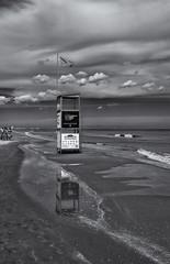...la spiaggia ... (mauriziocavallucci) Tags: nikoneurope nikonphotographer nikonphotography nikonitalia pinarelladicervia mylife volgoforlicesena mauriziocavallucci worldpressphoto grazie