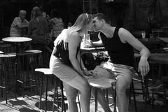 The Kiss (JaaSi) Tags: boedapest hongarije plaatsen kulturautcaja lovers kiss bar beer atrium