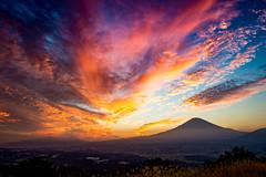 Fuji burns (shinichiro*) Tags: jp 20161014ds39690 5 2016 crazyshin nikond4s afsnikkor2470mmf28ged shizuoka oyamacho autumn october fiji sunsets