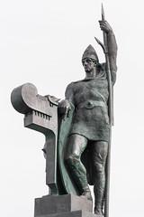 Ingólfur Arnarson (michael_hamburg69) Tags: reykjavík iceland island reykjavíkurborg höfuðborgarsvæðið sculpture skulptur sculptor bildhauer einarjónsson iceland'sfirstsettleringolfurarnarson wikinger entdecker kolonist viking lippenstift lipstick