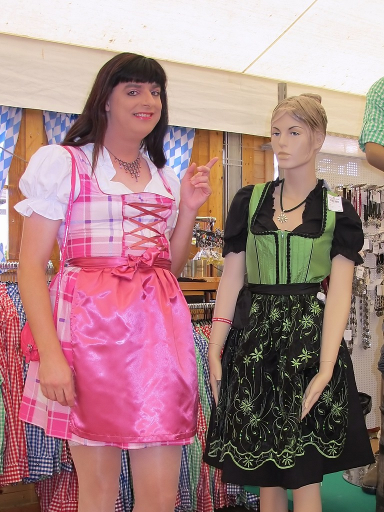 Shopping transvestite clothes
