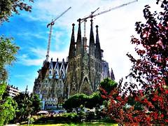 """""""LA SAGRADA FAMILIA DE GAUD EN BARCELONA"""" (Juanma.-) Tags: antonigaud arquitecturamodernista baslicasagradafamilia temploexpiatorio"""