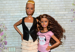 Lea and Skipper (Nadine Gomes) Tags: barbie fashionistas doll 2016 kayla lea 44 tall skipper 2015 petite 24 crazy for coral