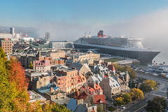 Walk with a view (Dany_M) Tags: queen mary cruiseship cruise ship fog quebeccity quebec canada canon70d cunard bateau croisire brume landscape paysage architecture terrasse dufferin