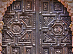 Door to the cathedral in downtown Zacatecas, Mexico (josebauelos) Tags: door wood cathedral zacatecas mexico puerta madera