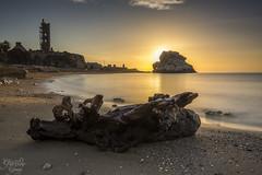 Amanecer en el Pen del Cuervo (Dancodan) Tags: nikon d7100 nikkor1024mmf3545gdxswmedifasphericalafs mlaga pendelcuervo amanecer playa paisaje frangarrido fb 500px