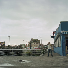 Coney Island - New-York - 2012 (Spld*UZu) Tags: analog rolleiflex couleur argentique c41 ngatif moyenformat