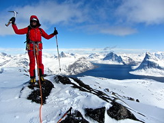 Edurne_Pasaban_Expedicion_Aventura_Groenlandia_Greenland_barco_Peak_Performance_montana_mountain_leon_edurne (edurnepasaban) Tags: snow mountains ice expedition nieve performance peak adventure virgin greenland hielo montaas aventura virgenes groenlandia expedicion edurnepasaban