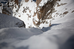 Vertige (emmanuel.vandersloot) Tags: chamonix montblanc montagne mountain montebianco neige snow alpes alps alpinisme mountaineering altitude rocher rock france