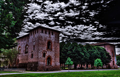 Vigevano castle (Marco Trovò) Tags: marcotrovò hdr canoneos5d vigevano pavia italia italy city città strade street case house palazzi building castellosforzesco sforzacastle