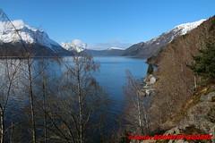 Nordfjord - Lote (soyouz) Tags: geo:lat=6186031700 geo:lon=609981033 geotagged henne lote nor norvge sognogfjordane neige montagne fjord nordfjord norvegela