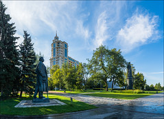 Russia. Moscow. Monument to Maxim Gorky. (Yuri Degtyarev) Tags: russia moscow monument maxim gorky muzeon park morning clouds city cityscape moskva moscou moskau             leica x2