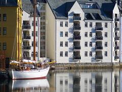 lesund, Norway (TakeJet999) Tags: pentax q q7 norway  lesund alesund