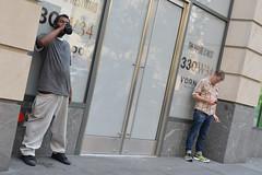 Humanos en New York (Numa Roades) Tags: newyorkcity newyork downtownmanhattan photostreet streetphotografic documentaryphotography documentary spicollective streephotography streetphotographyincolors igstreetphotography streetphotographer streetphoto streetphotos streetphotografy meistershots instamagazine streetdreamsmag fragmentmag