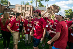 events_20160923_ethics_boot_camp-207 (Daniels at University of Denver) Tags: 2016 bootcamp candidphotos daniels danielscollegeofbusiness dcb ethics ethicsbootcamp eventphotos eventsphotography fall2016 lawn oncampus outside students undergraduatestudents westlawn
