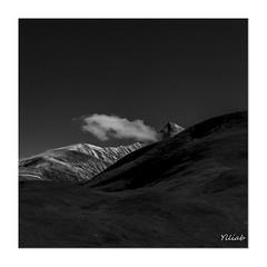 Le Nuage (Ylliab Photo) Tags: canon blackwhite blackandwhite emparis ylliabphoto paysage lepaysagesimplement laphotographiesimple mountain montagne