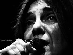 Slvia Comes 1 (sandra_simonetti88) Tags: siviacomes musica music cantare sing singing singer cantante mic micorofono bn bw microphone