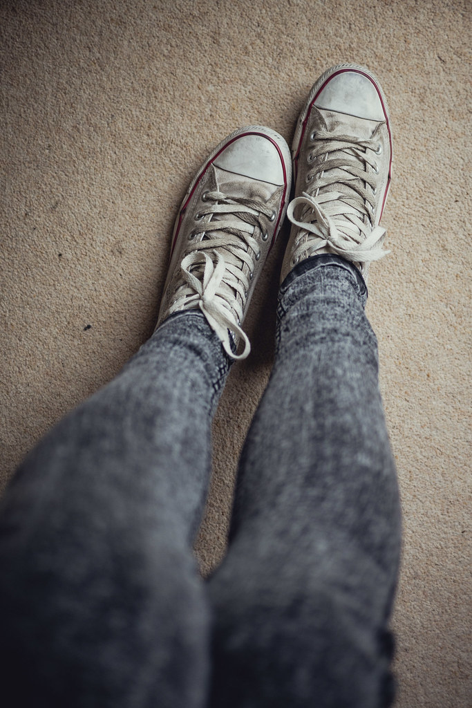 how to clean muddy white converse
