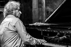 Yves Henry, rehearsal, PianoEchos 2016 (Davide Tarozzi) Tags: yveshenry rehearsal pianoechos2016 prove portrait ritratto piano pianist pianista musicista musicaclassica
