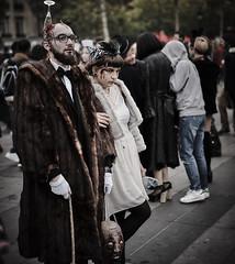 DSC00992 (une_semaine) Tags: zombie pairs place rpublique
