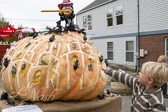 """""""Wook! Rats!"""" (grilljam) Tags: pumpkinfest damariscotta autumn october2016 seamus 4yrs thepiedpiper rats leadingthemoutoftown pumpkin"""