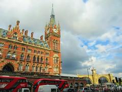 St Pancras and King's Cross (Dun.can) Tags: eustonroad stpancras kingscross station hotel traffic redbus bus london londonbus light