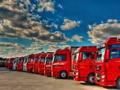 Pole Position (GerWi) Tags: trucks lkw outdoor himmel sky poleposition autos