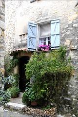~~Tout le charme d'antan : MOUGINS~~ (Jolisa) Tags: door flower window fleurs nikon porte 06 fentre mougins avril2013