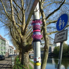 Guerrilla Knitting (yarnitic) Tags: knitting stricken guerillaknitting guerrillaknitting yarnbombing yarnbomb