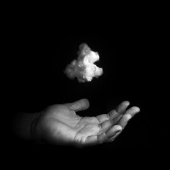 IMAGINE XVIII. My little cloud. (matoses) Tags: life light shadow cloud white black color art texture textura blancoynegro blanco luz valencia grey gris blackwhite nikon hand arte y magic flash negro sombra vida mano imagine nube magia imagina black white hotshot d80 strobist blanco negro matoses