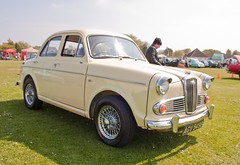 1964 Wolseley 1500 (Trigger's Retro Road Tests!) Tags: show classic car corner little may essex clacton 1500 plough 1964 wolseley 2013