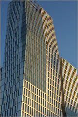 Skyscraper (catb -) Tags: windows building architecture germany frankfurt fa