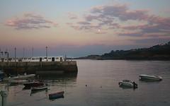 Casi llena (Jaime GF) Tags: mar sea moon luna mvil smartphone muelle dock luanco gozn asturias spain